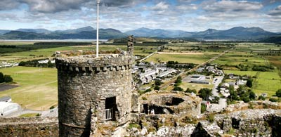 Crenelated battlements of Harlech Castle
